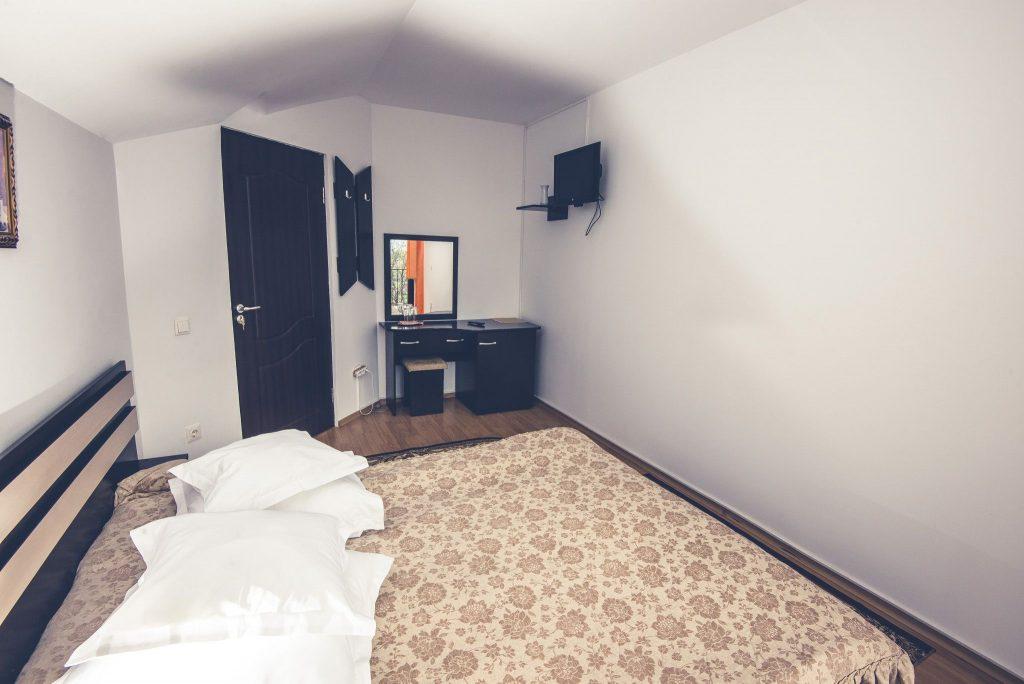 vedere ansamblu cazare apartament pensiune bran