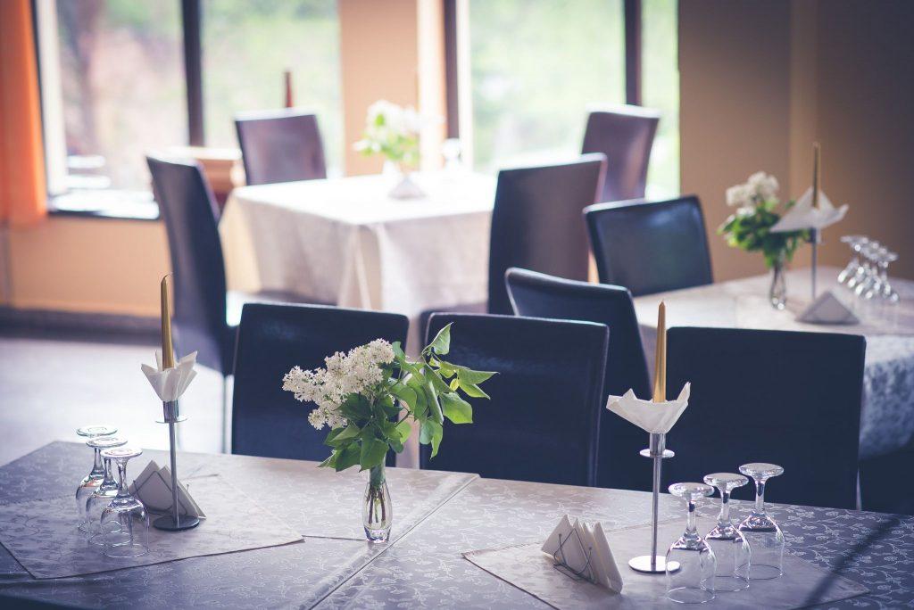 cazare bran pensiune restaurant oana boutique
