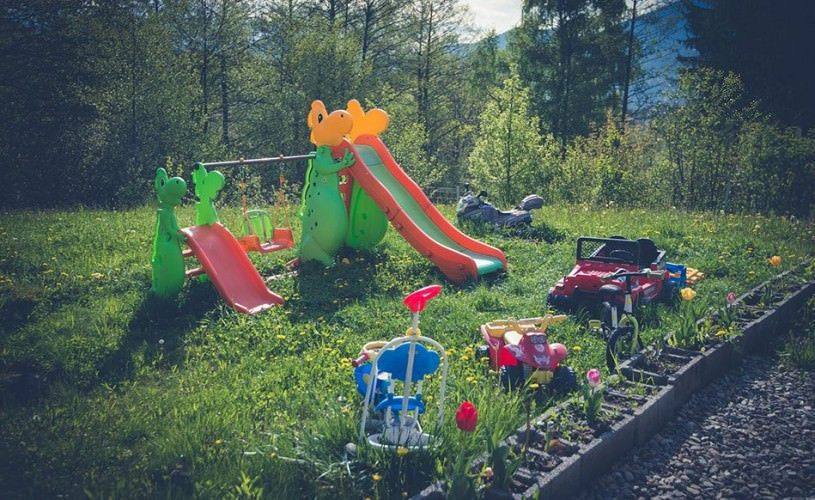 Loc de joaca pentru copii la bran Galeria Foto Pensiune Bran